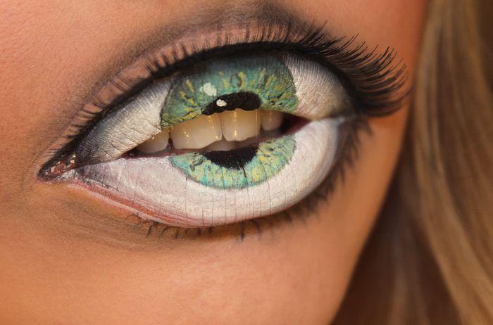Shocking Lip Makeup Looks Like A Hungry Eye