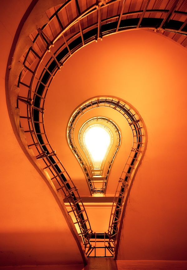 Day Time Light Bulbs: Pic Of The Day: Light Bulb Staircase
