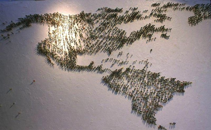 6 000 Miniature People Form The World Map