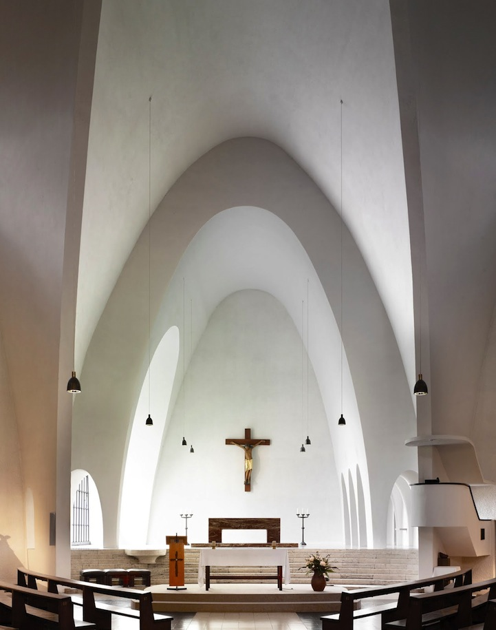 Spectacular Modern Interiors Of Churches Around The World