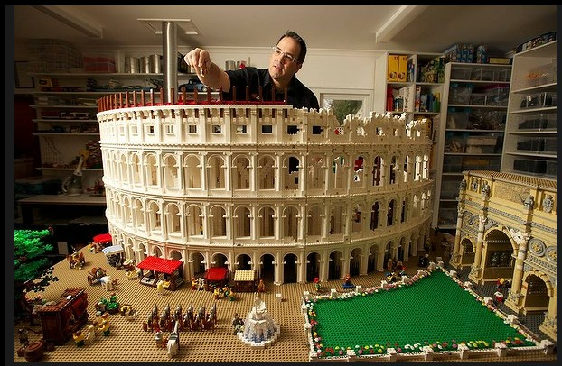 Lego Colosseum Made of 20,000 Bricks is First of its Kind