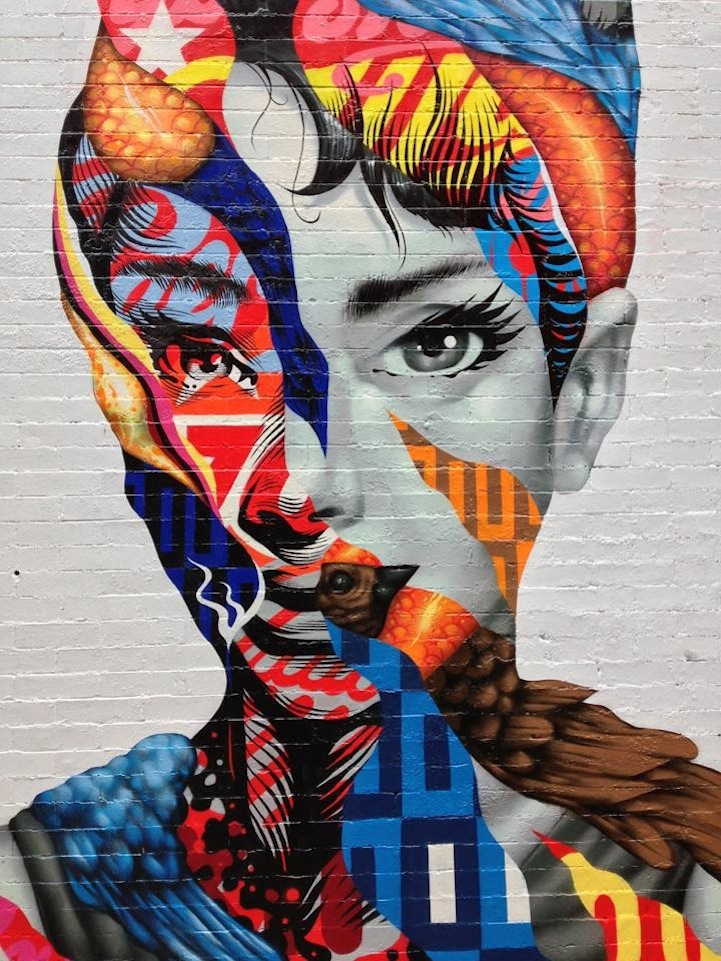 Eye catching mural of audrey hepburn in nyc 39 s little italy for Audrey hepburn mural soho