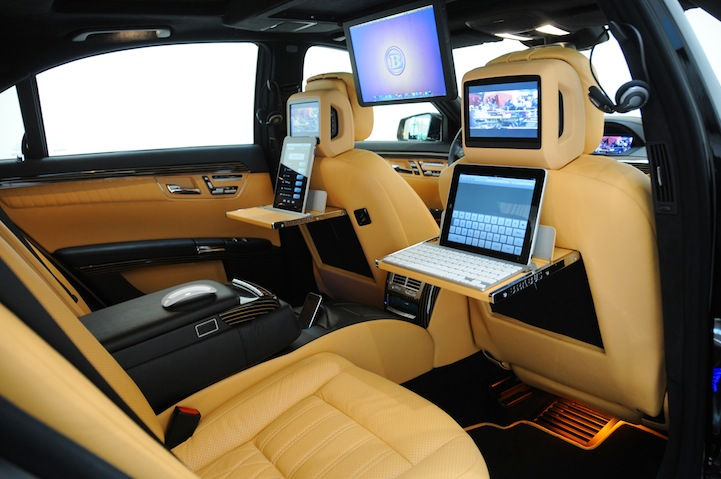 The Sickest Mobile Office in Town (10 pics)