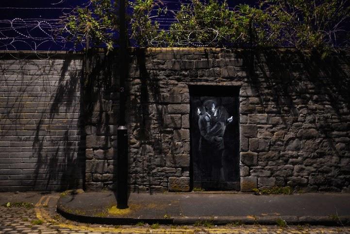 Banksy's New Mural Mocks Smart Phone Distracted Lovers