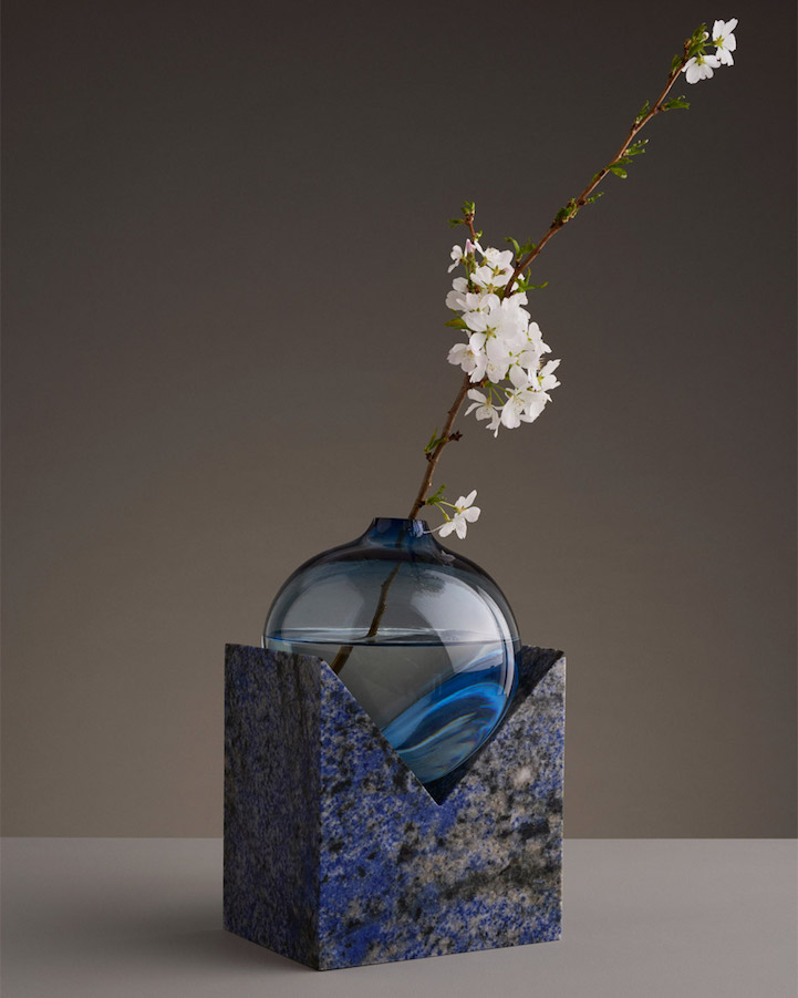 Quot Melting Quot Vases Blur The Line Between Strength And Fragility