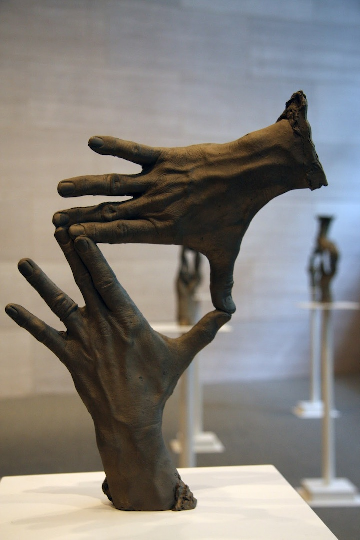 Incredible bronze hand sculptures by bruce nauman - Sculptures modernes contemporaines ...