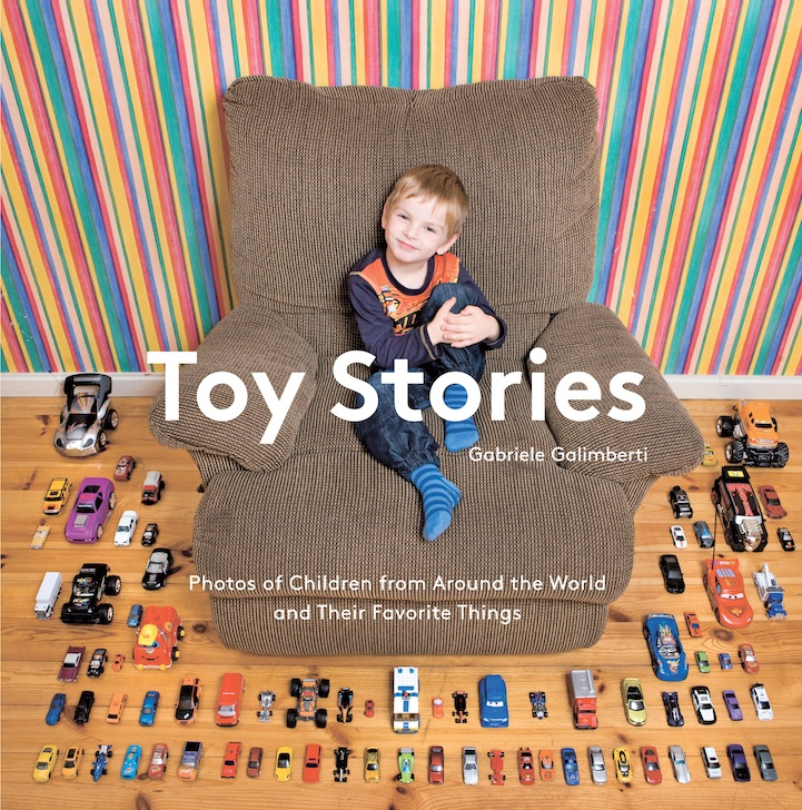 Kids and Toys Around the World Toy Stories by Gabriele Galimberti
