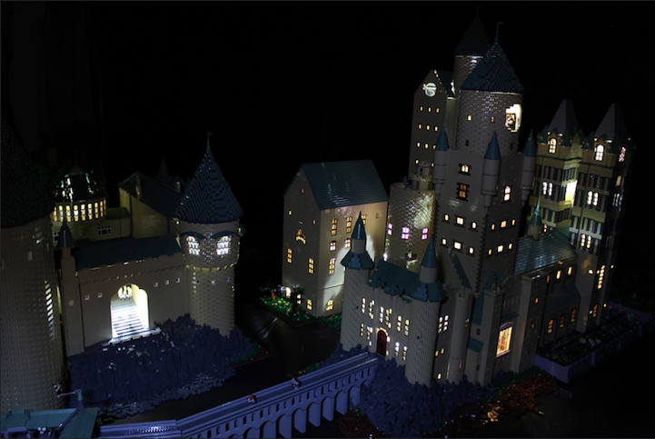 Dedicated Mom Builds Amazingly Detailed Model of Hogwarts with 400,000 LEGO Bricks