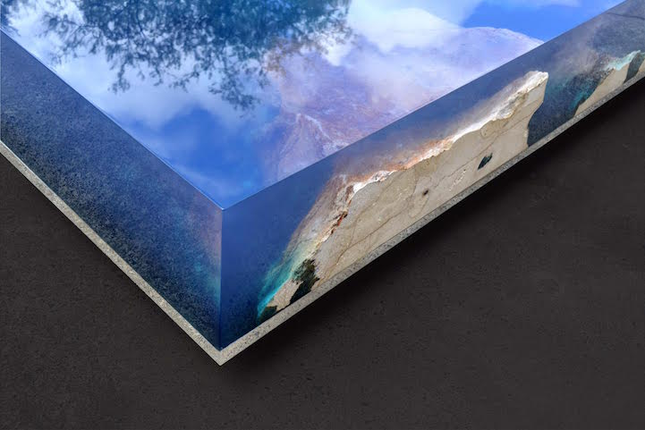 Natural Stone And Resin Table Brings The Beauty Of A