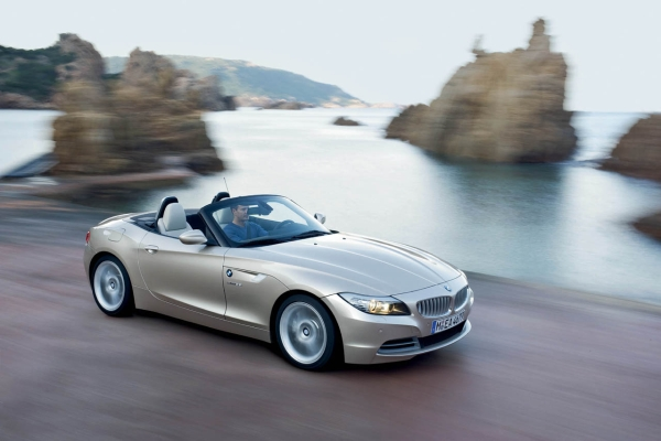 Introducing the 2010 BMW Z4 Roadster