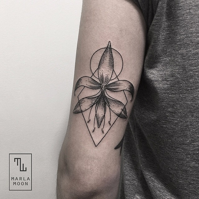 Minimalist Environmental Tattoo: Tattoos Elegantly Combine Delicate Natural Subjects With