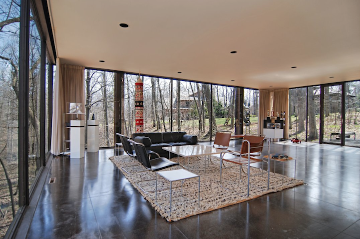Iconic Glass Quot Ferris Bueller S Day Off Quot House Sells For 1 06m