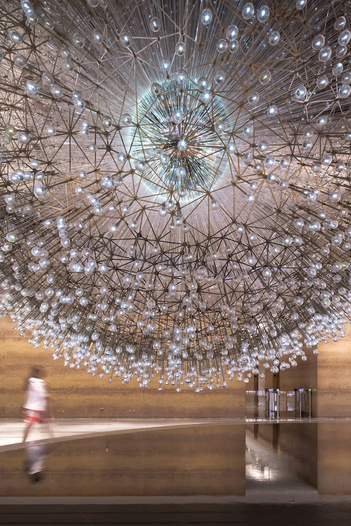 Giant Floating Dandelion Made Of Over 3 000 Hand Blown