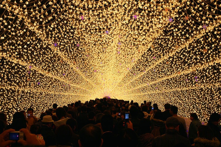 Japan S Spectacular Tunnel Of Lights