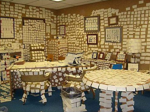 when cubicle mates attack awesome office pranks 14 pics. Black Bedroom Furniture Sets. Home Design Ideas