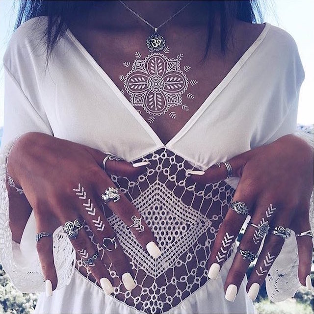 White Henna: Stunning White Henna-Like Tattoos Look Like Lace Draped