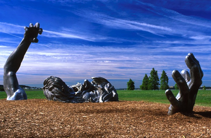 10 wickedly cool sculptures for Awakening sculpture national harbor