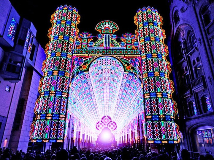 Cathedral S Spectacular 55 000 Led Light Projection Mapping