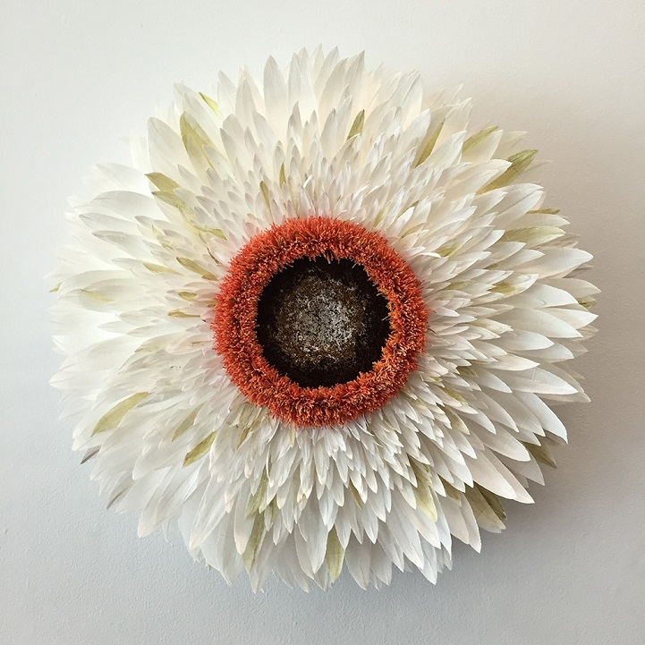 New Giant Flowers Painstakingly Crafted Out Of Thousand Of Paper Petals