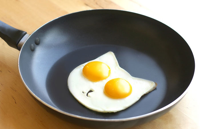 Adorable Egg Mold Turns Your Breakfast Into A Smiling Cat