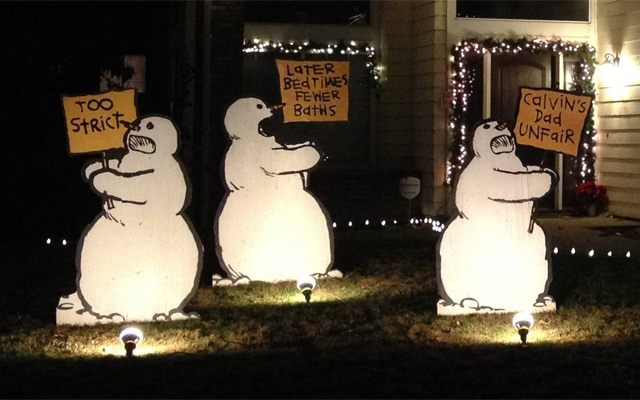 just goes to show that you dont need a lot of crazy christmas props and tons of lights to make something creative and clever - Christmas Lawn Decorations