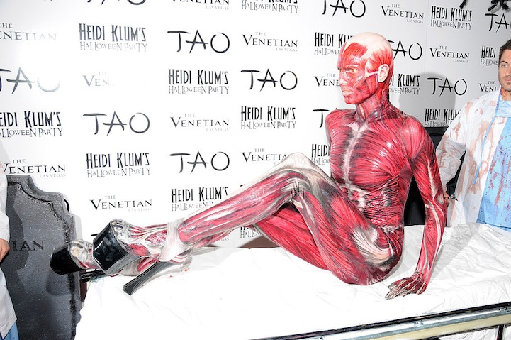 Heidi Klums Skintacular Halloween Costume My Modern Met