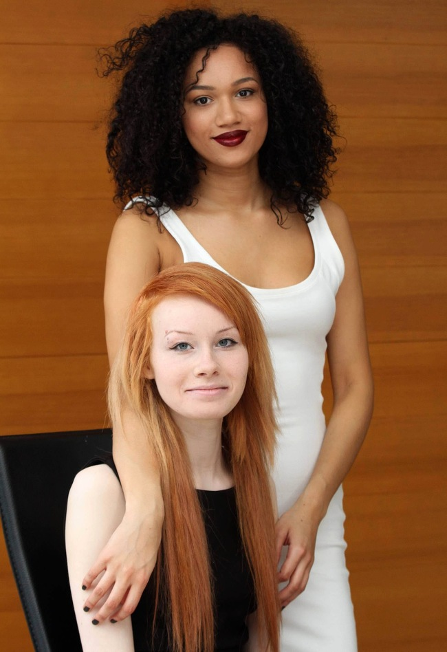 These Girls Look Nothing Alike But Are Actually Biracial Twin Sisters-3848