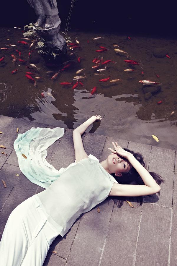 A Poetic Fashion Story In Chengdu