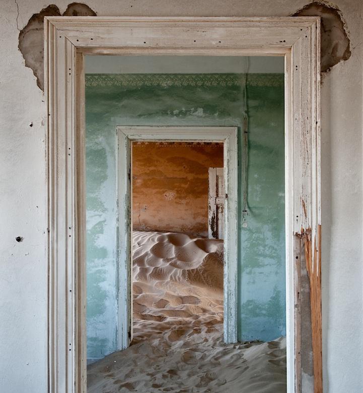 The Namib Desert Indoors (12 Photos