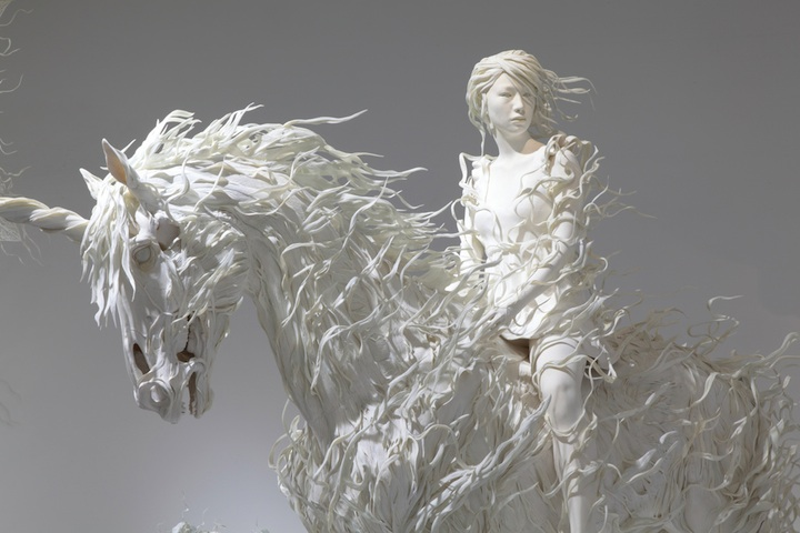 Stunning sculptures by odani motohiko 3 pics for Art made with keys