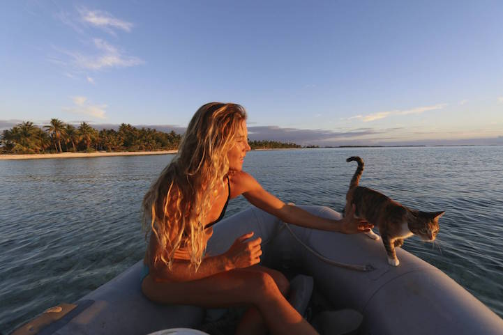 Woman And Her Cat Have Been Sailing Around The World