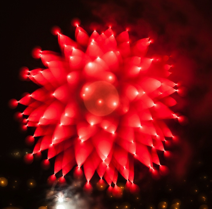 New Long Exposure Fireworks By Alan Sailer - Fruit provides light for long exposure photographs