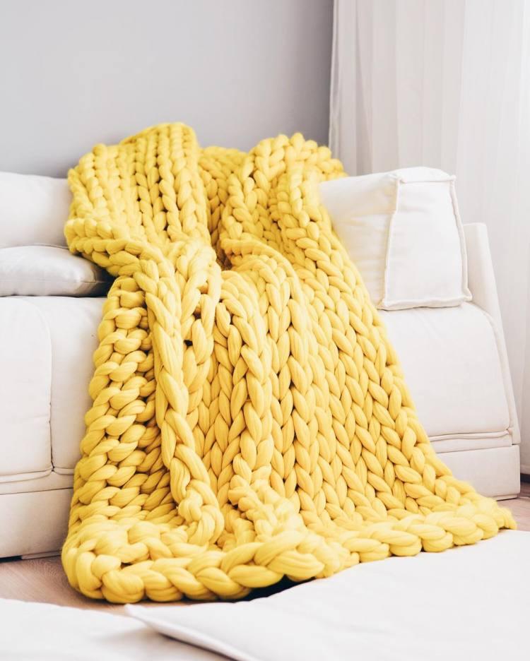 Giganto Blanket Tutorial Explains How To Make A Chunky