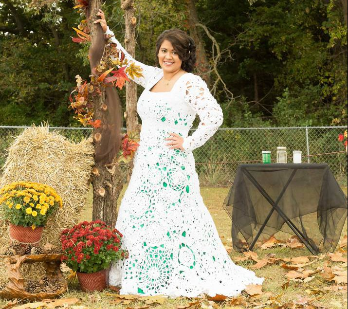 Bride spends 8 months crocheting her own 70 wedding dress junglespirit Images