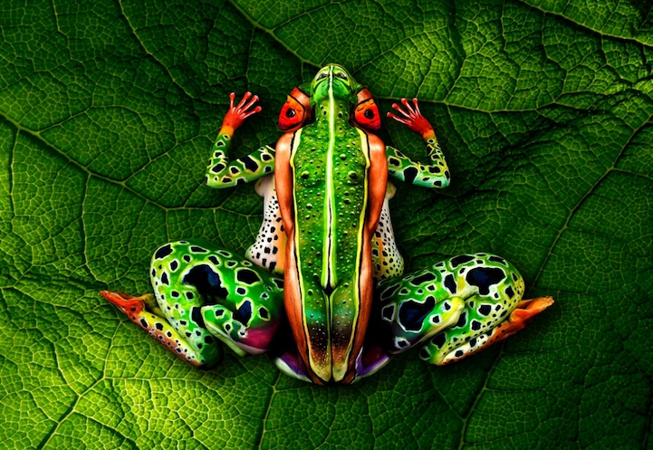 15 Body Paintings Of Animals That Completely Hide The Humans