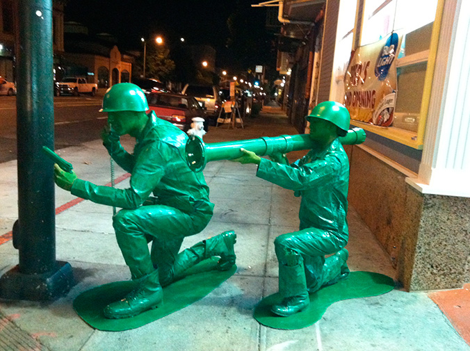 via [reddit] & Halloween Couple in Homemade Green Army Men Costumes