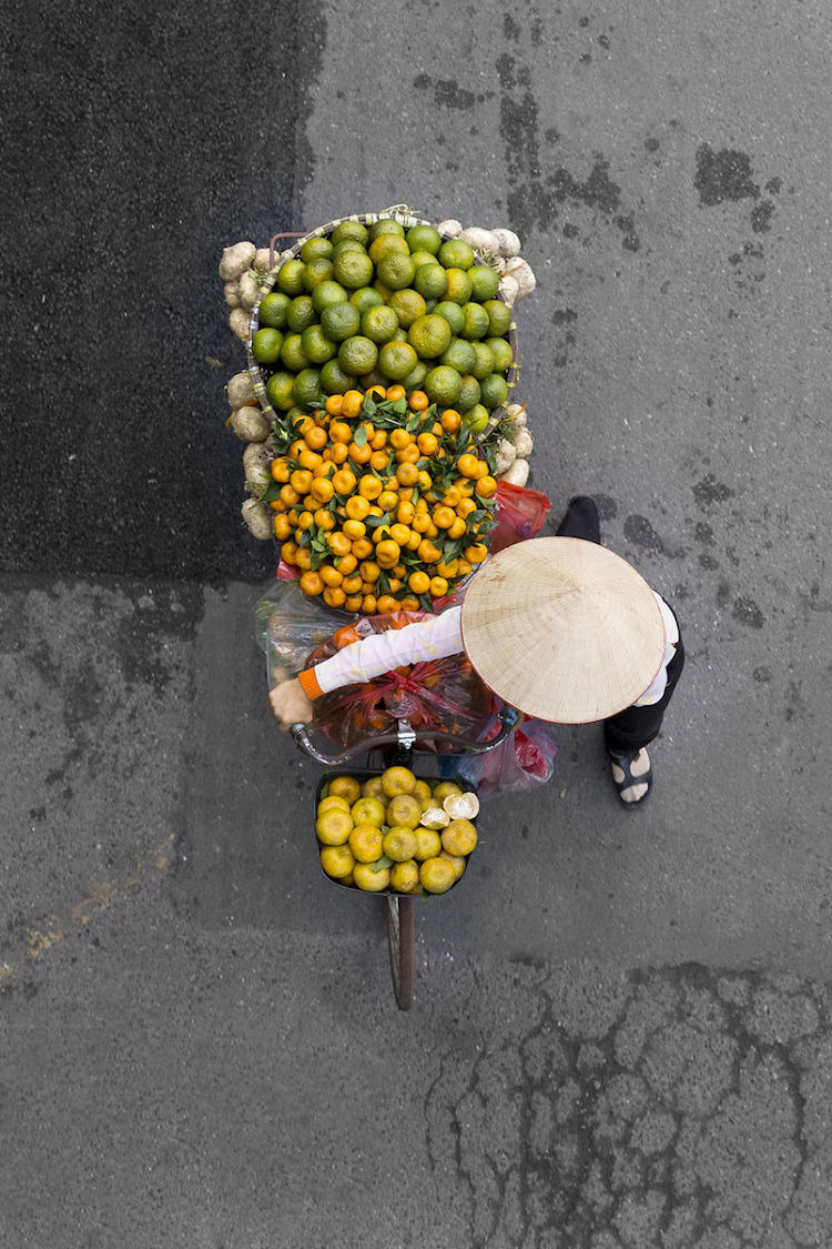 The Beauty Of Hanoi Street Vendor Captured In A Unique Way