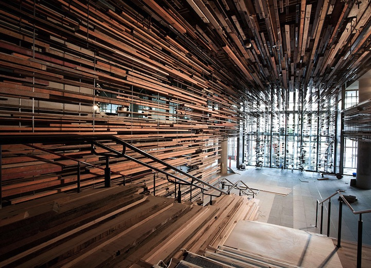 2000 pieces of reclaimed wood form a textured ceiling - Reclaimed Wood Ceiling