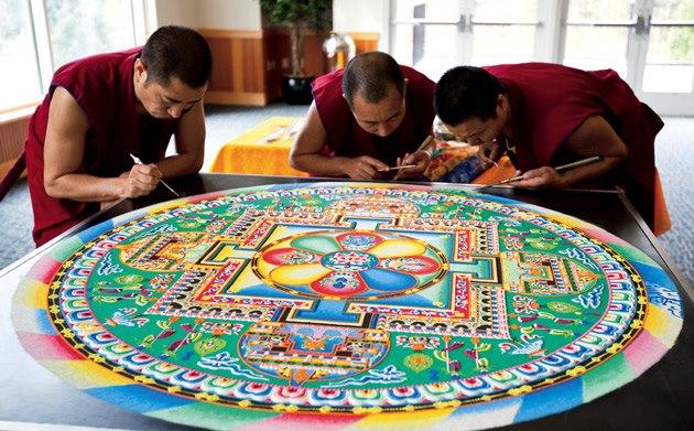 Tibetan Monks Painstakingly Create Incredible Mandalas Using Millions of  Grains of Sand